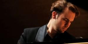 Evgeni Bozhanov, Klavier